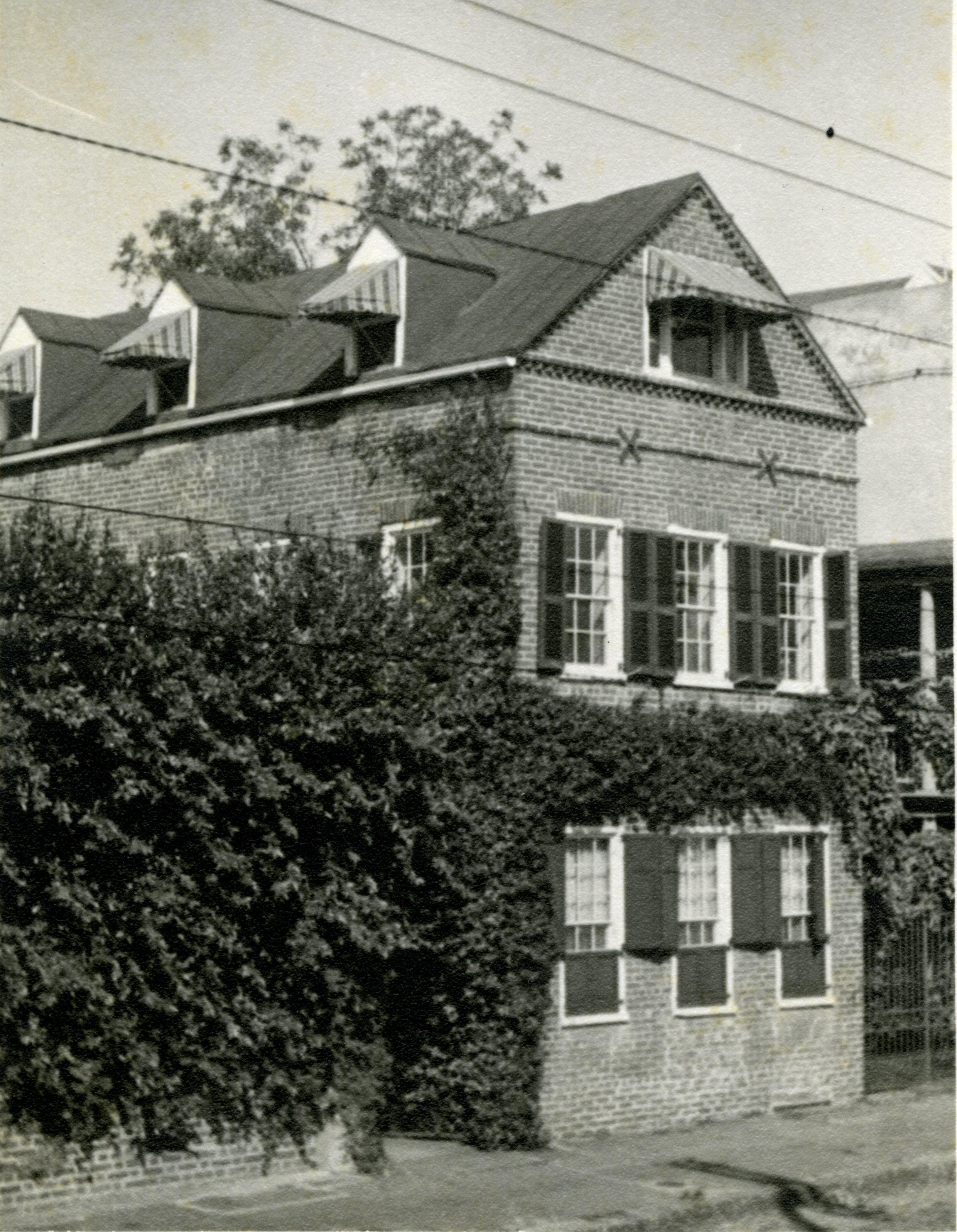 38 Chalmers Street